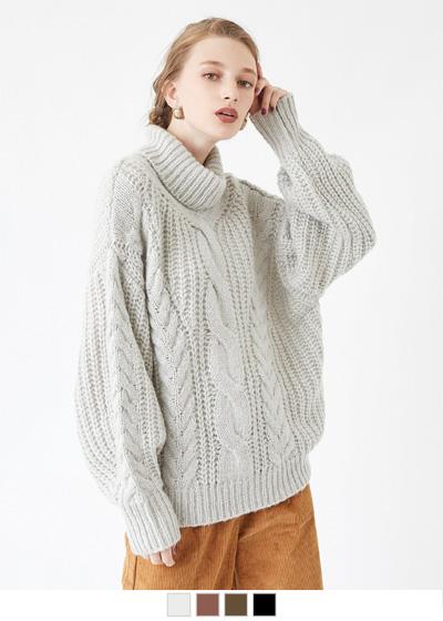 ケーブル編みタートルニット〔人気商品!予約〕